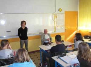 Isabelle Roques et Joseph Olivier ont su capter l'intérêt de la classe, l'un par son parcours de témoin et l'autre par le métier insolite d'écrivain public.